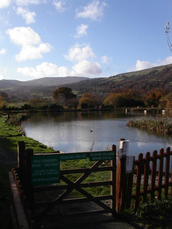 7 5 acres  water gardens  fishery and restaurant business