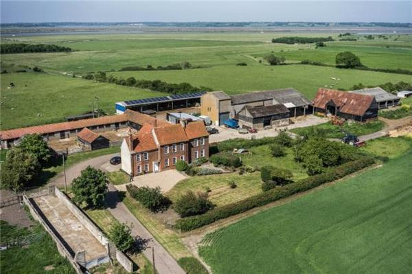 491 Acres Reeves Hall Meeting Lane Mersea Island Colchester Co5 Es For Sale Guide Price 4300000