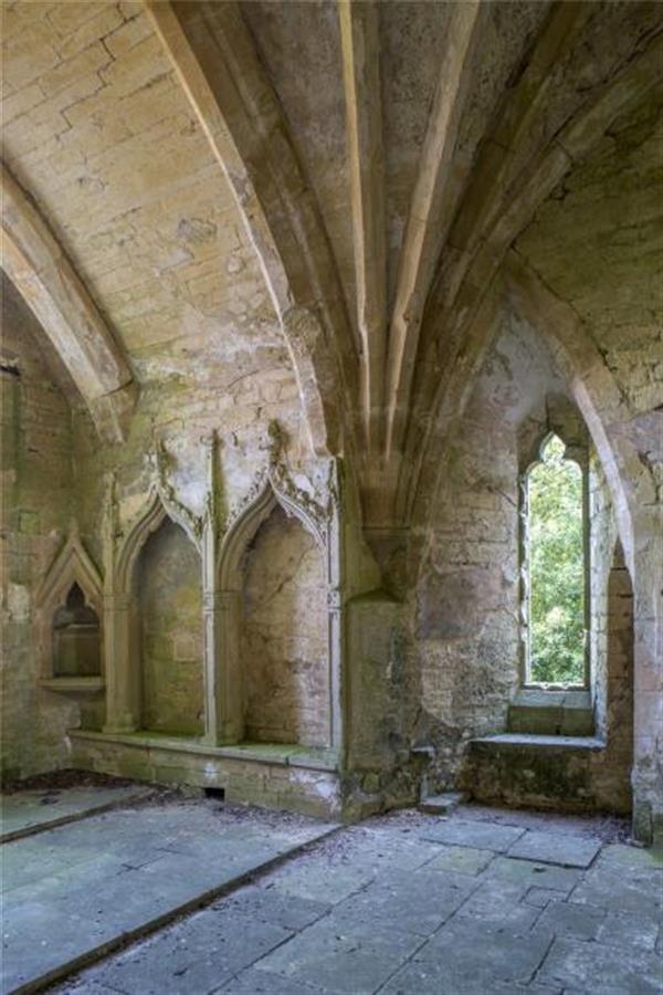 693 acres  beverston castle estate  tetbury  gl8