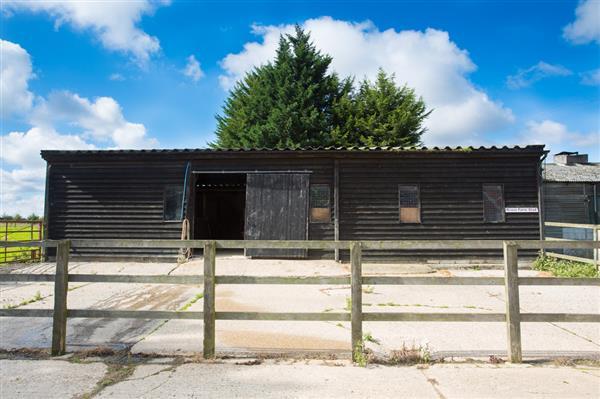 15 Acres Suffolk Topthorn Arena Stonham Aspal Near