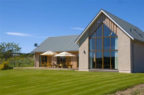 Acres clovenstone lodges kintore inverurie for Garden offices for sale scotland